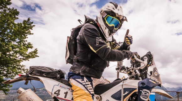 Into the World: de la Oyibo la Campionatul National de Rally Raid